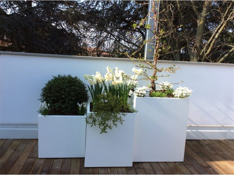 Vasi moderni awesome vasi murano vetro sommerso with vasi for Vasi per piante da interno moderni