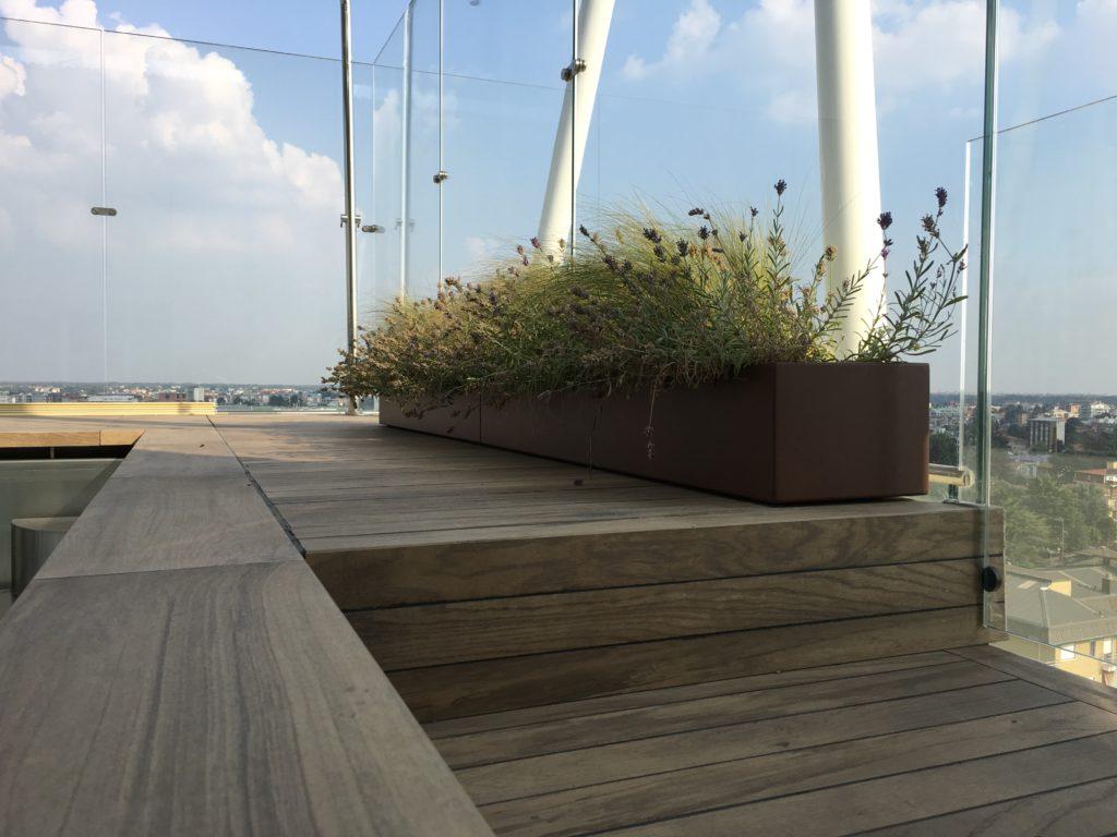 fioriere in alluminio per arredamento terrazzo